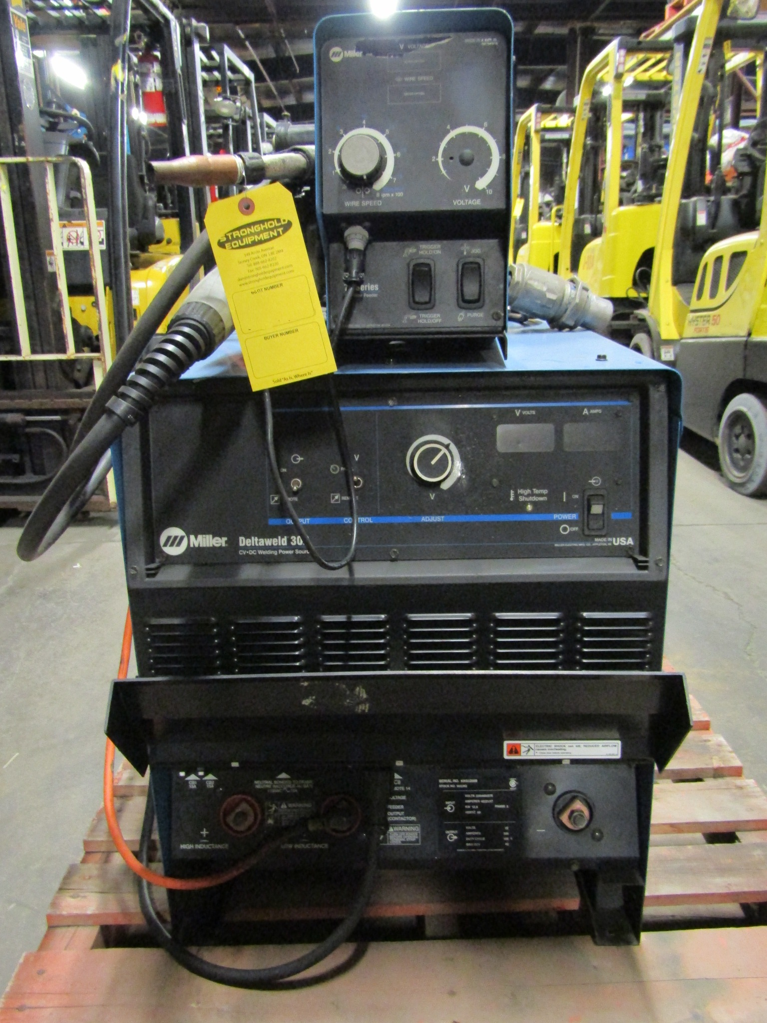 Miller Dimension 302 Mig Welder with 70 series 4-wheel wire feeder ...