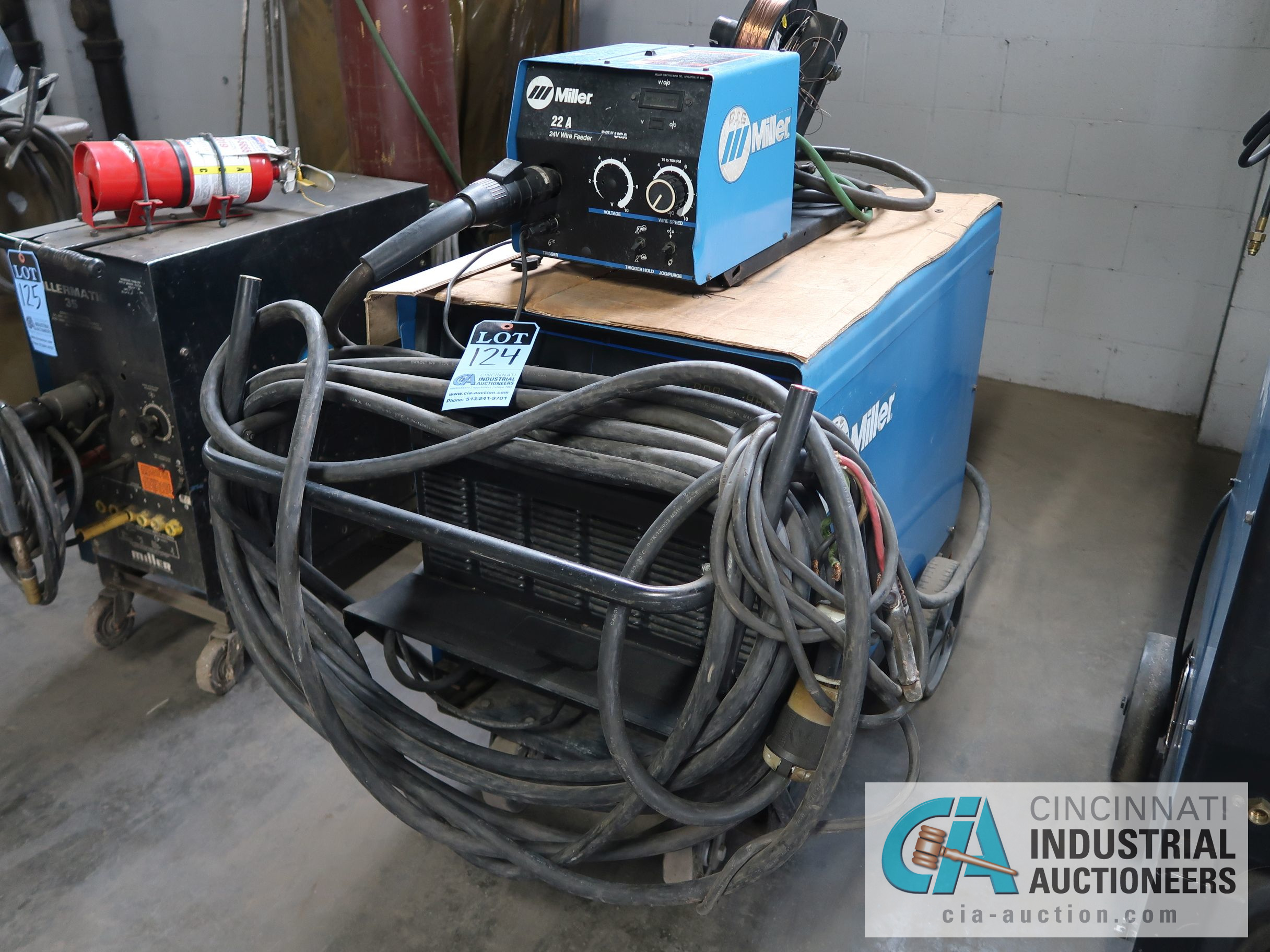 450 AMP MILLER DELTAWELD 452 MIG WELDER WITH MILLER 22A WIRE FEED; S/N LB106141