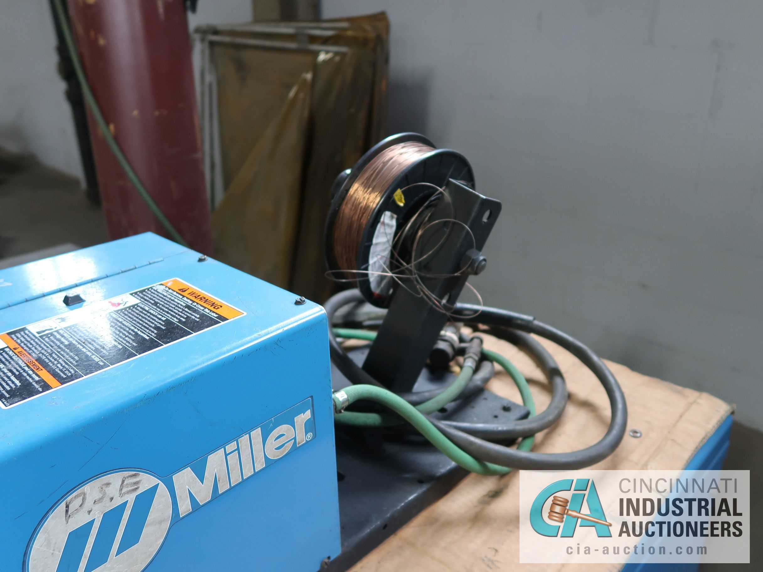450 AMP MILLER DELTAWELD 452 MIG WELDER WITH MILLER 22A WIRE FEED; S/N LB106141 - Image 3 of 4