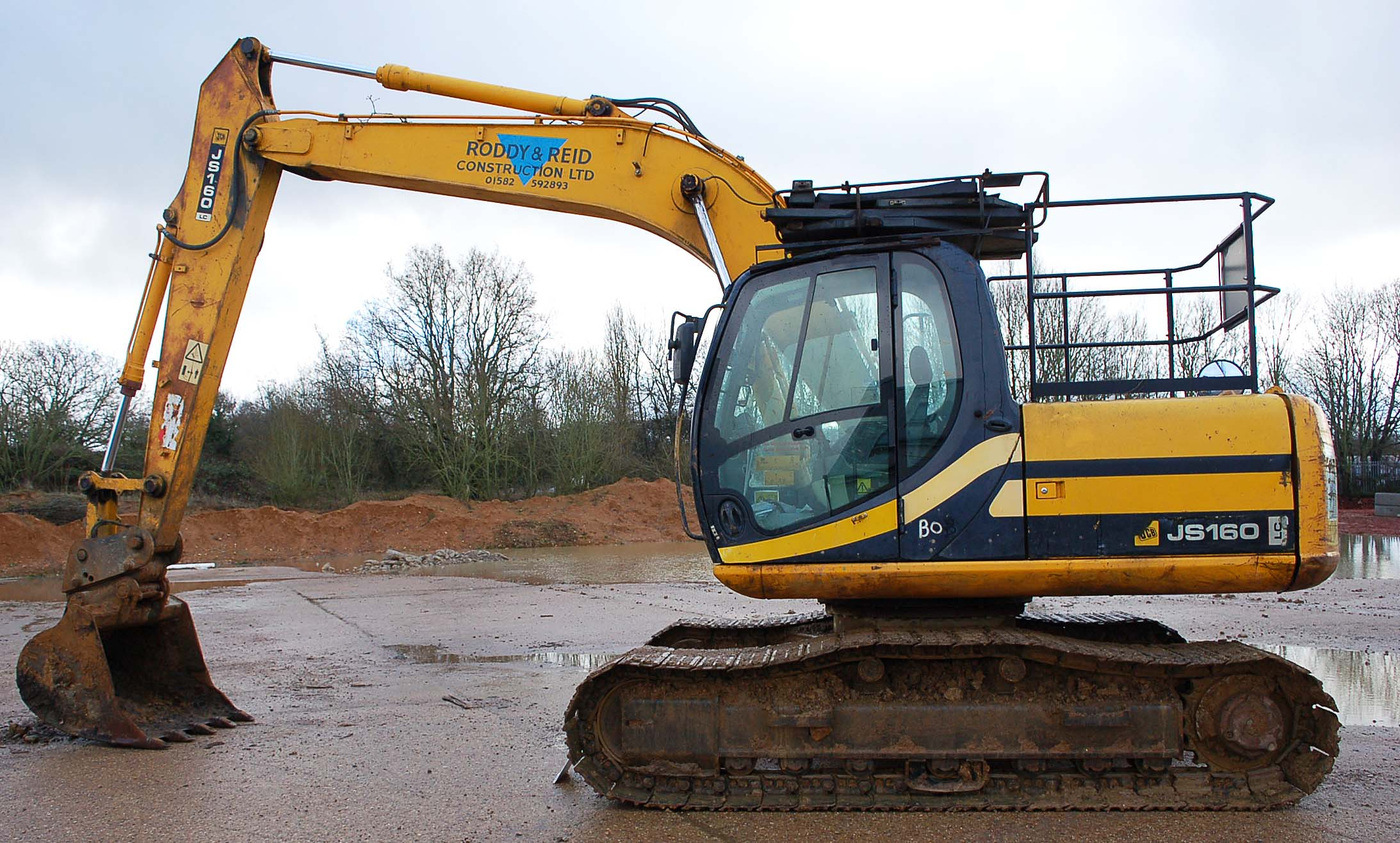 A JCB JS160 LC 16 Tonne 360 Degree Slew Tracked Excavator Serial Number: SLPJ516C6E1059439 (2006) - Image 2 of 9