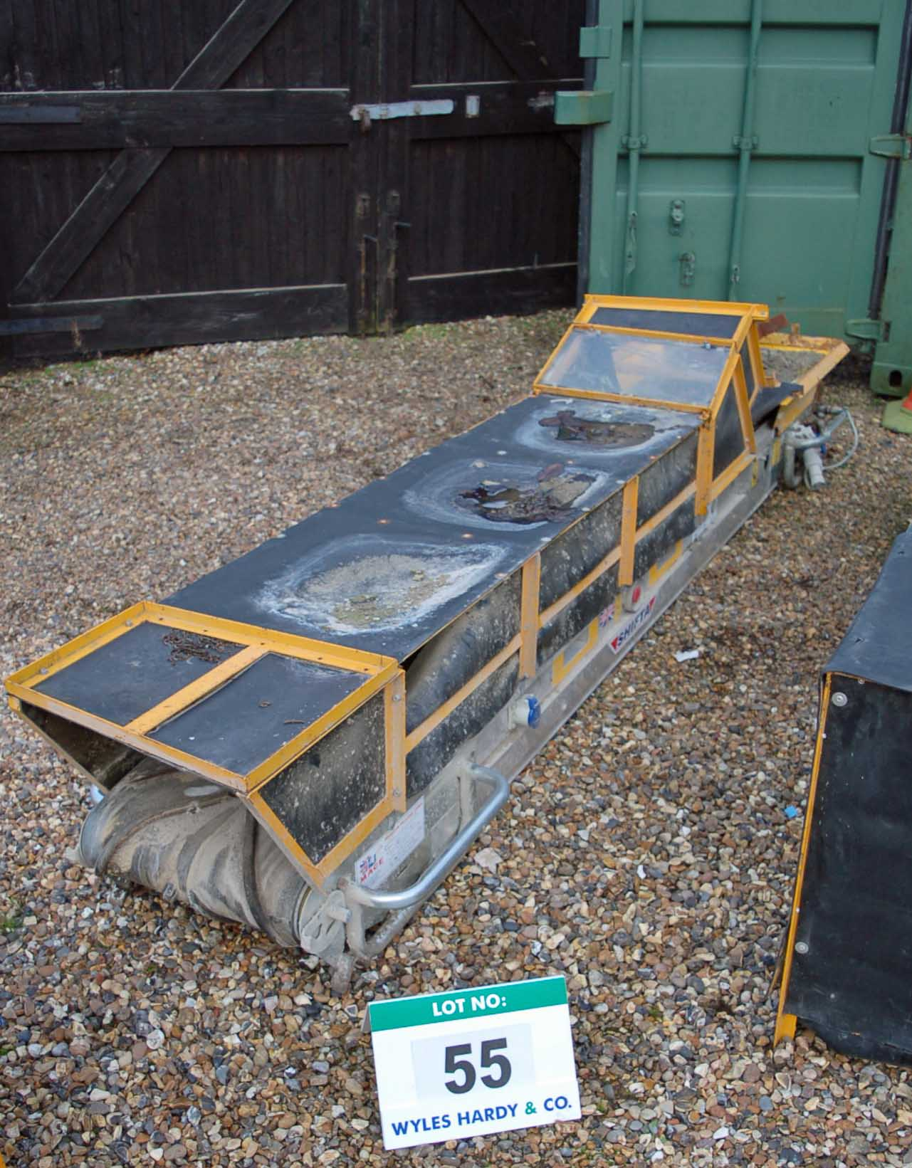 A MACE SHIFTA 3.2 Approximately 3.2 Meter x 450MM Electric Rubber Troughed Conveyor (110V).