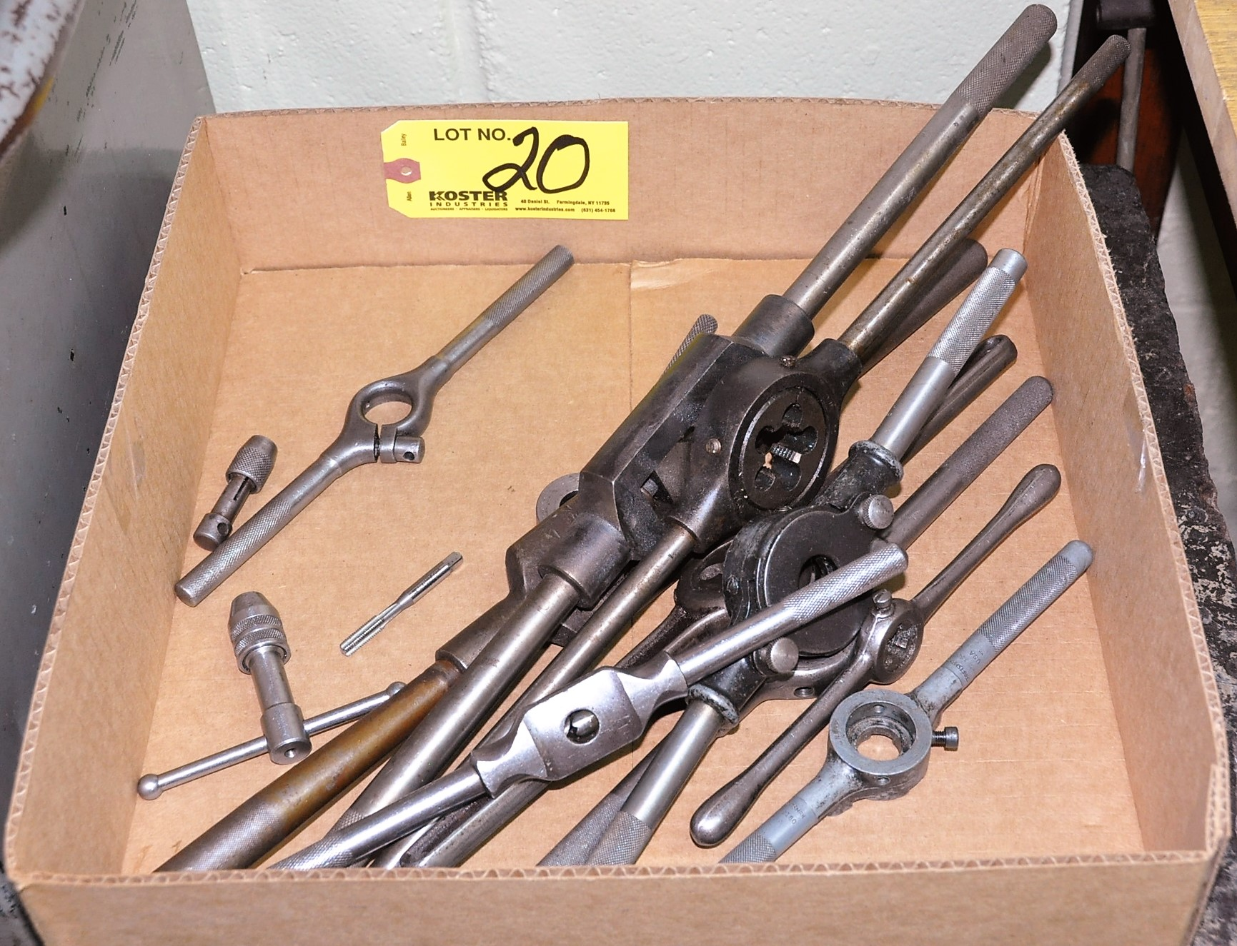 Lot 20 - TAP AND DIE HANDLES IN (1) BOX