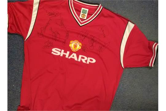 best sneakers a93d1 84c9f Manchester United Sharp Shirt Signed By Arthur Albiston ...
