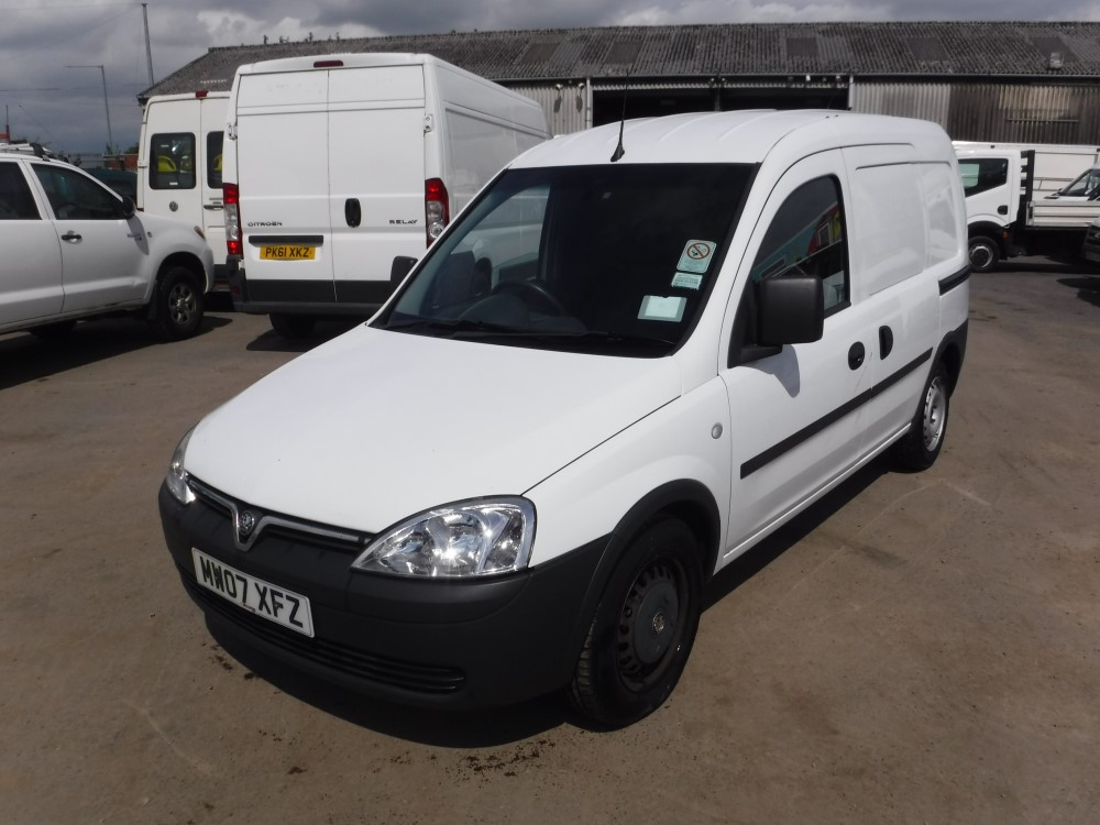 07 reg vauxhall combo 1700 cdti 1st reg 06 07 test 05 17. Black Bedroom Furniture Sets. Home Design Ideas