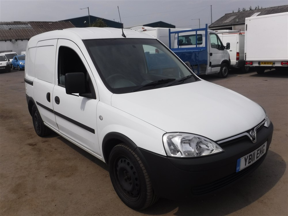 11 reg vauxhall combo cdti swb 1st reg 08 11 test 08 16. Black Bedroom Furniture Sets. Home Design Ideas