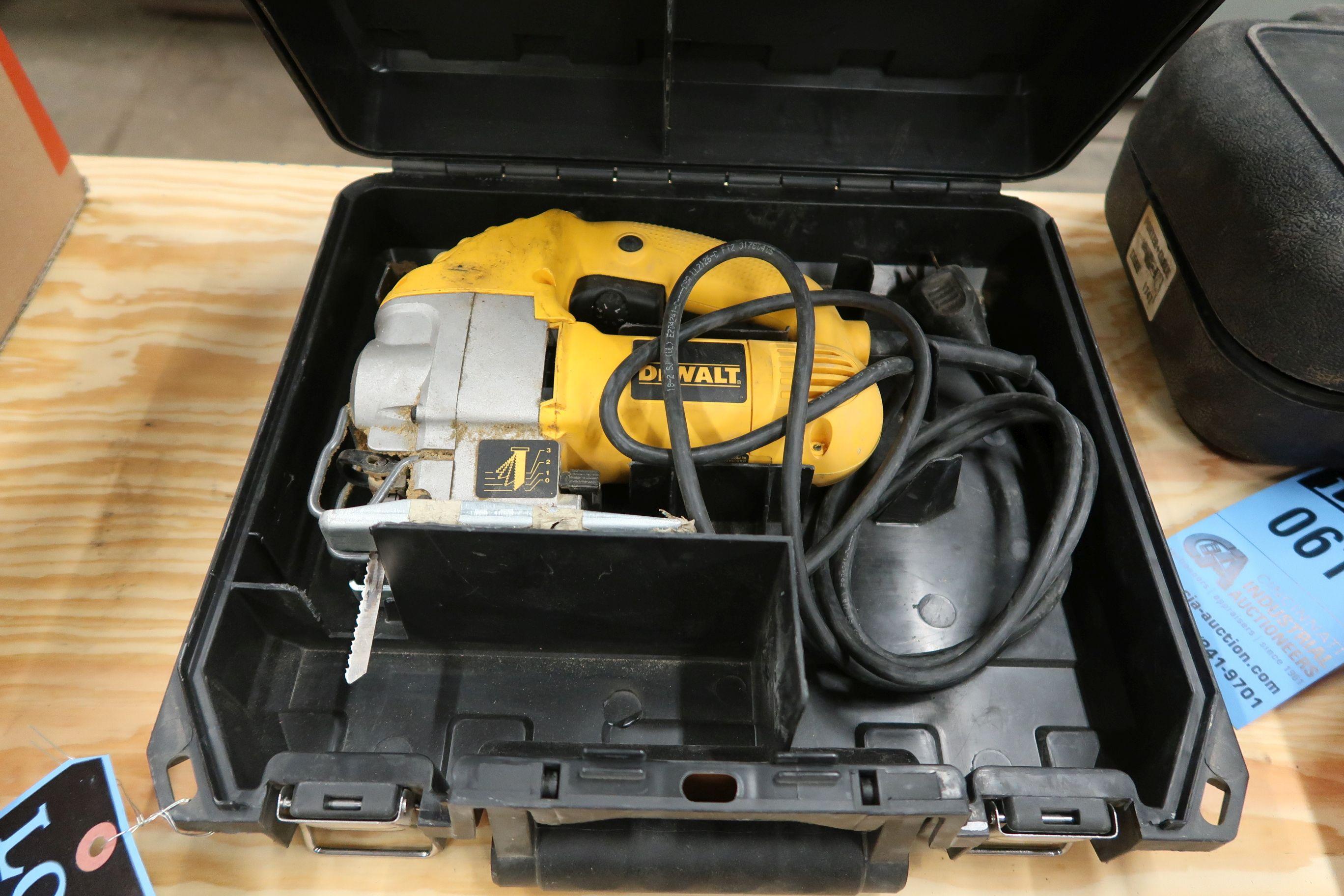 Lot 620 - DEWALK ELECTRIC JIG SAW