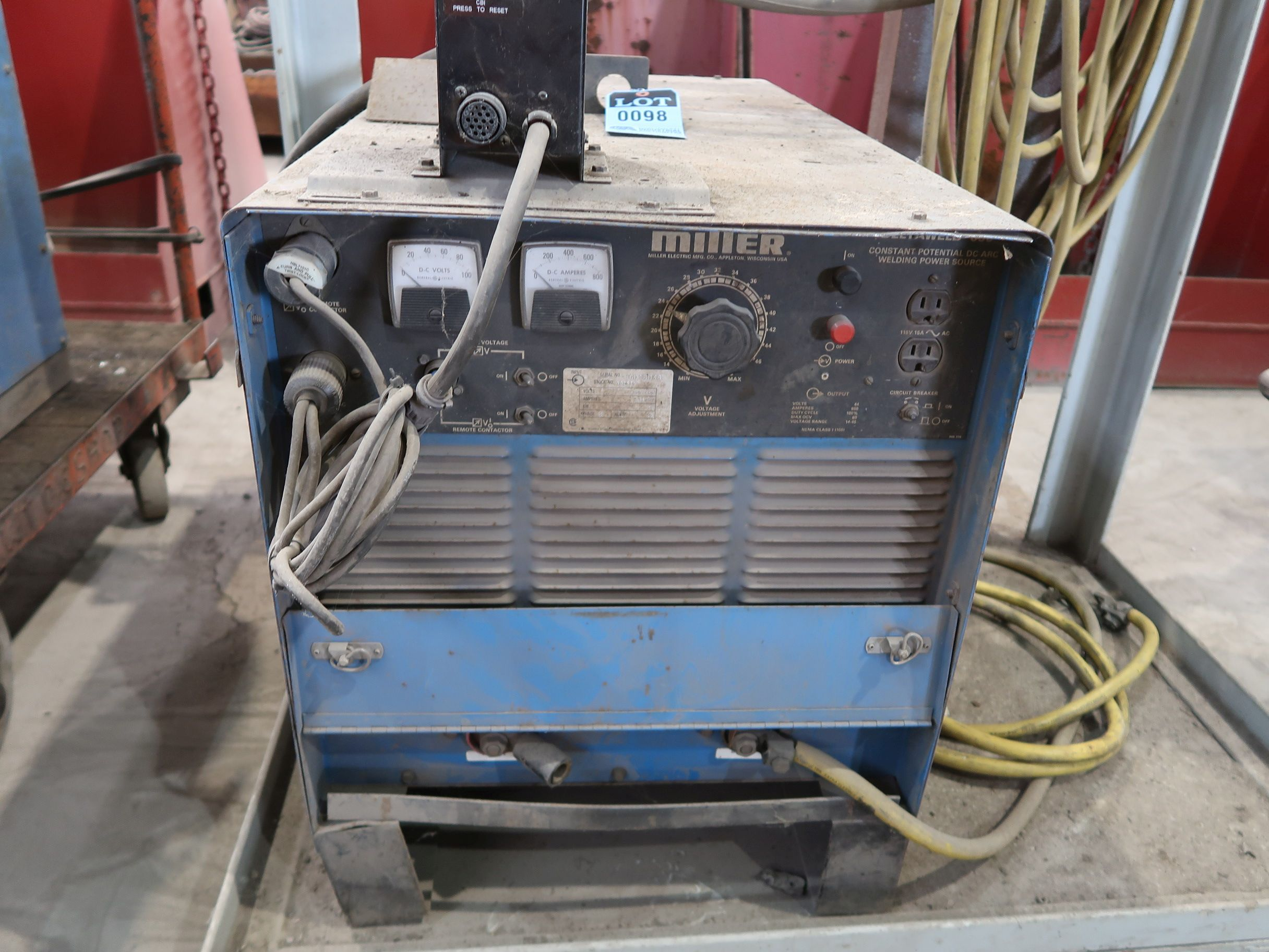 Lot 98 - 650 AMP MILLER MODEL DELTAWELD 650 CONSTANT POTENTIAL DC ARC WELDING POWER SOURCE; S/N JG018038