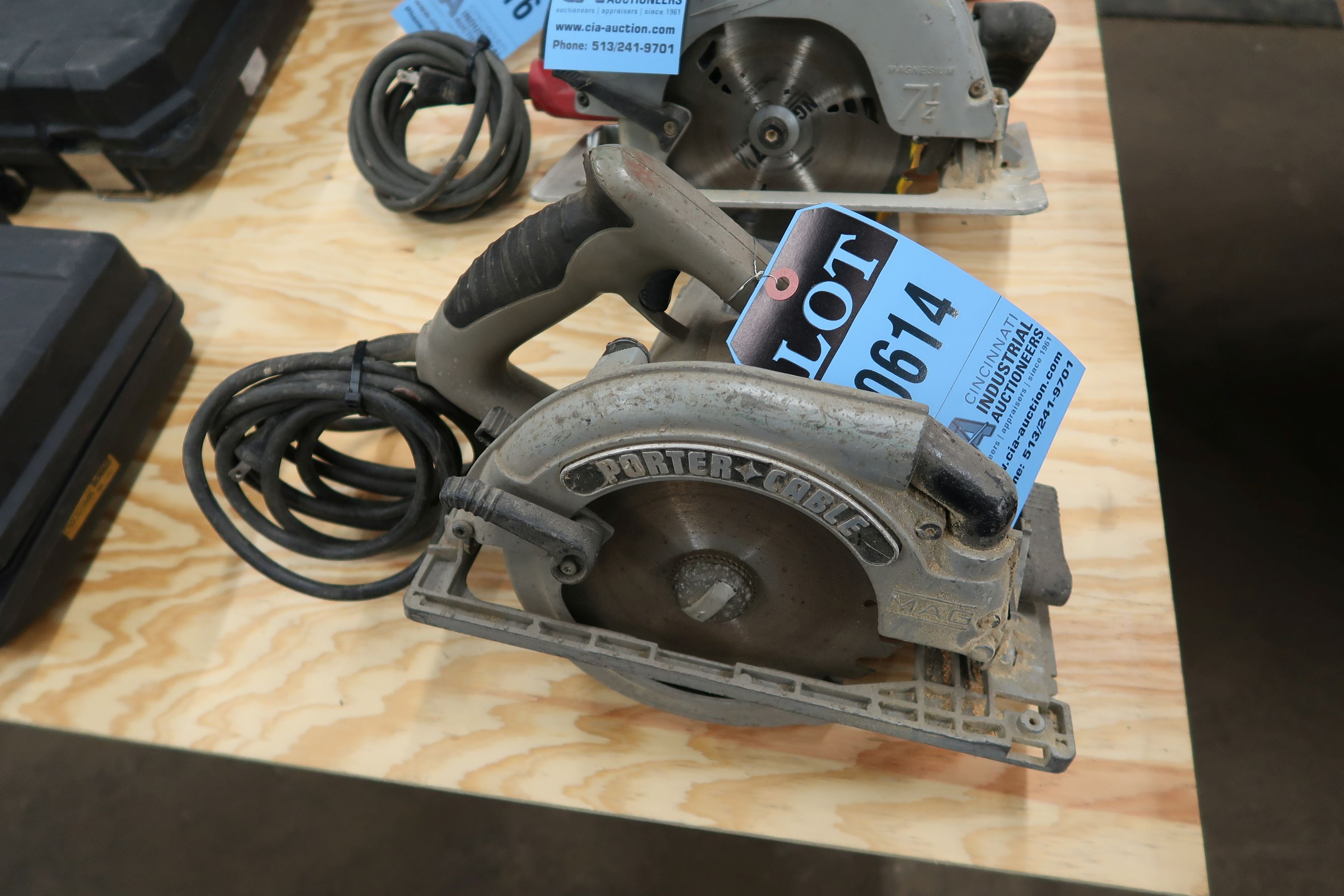 "Lot 614 - 7-1/4"" PORTER CABLE CIRCULAR SAW"