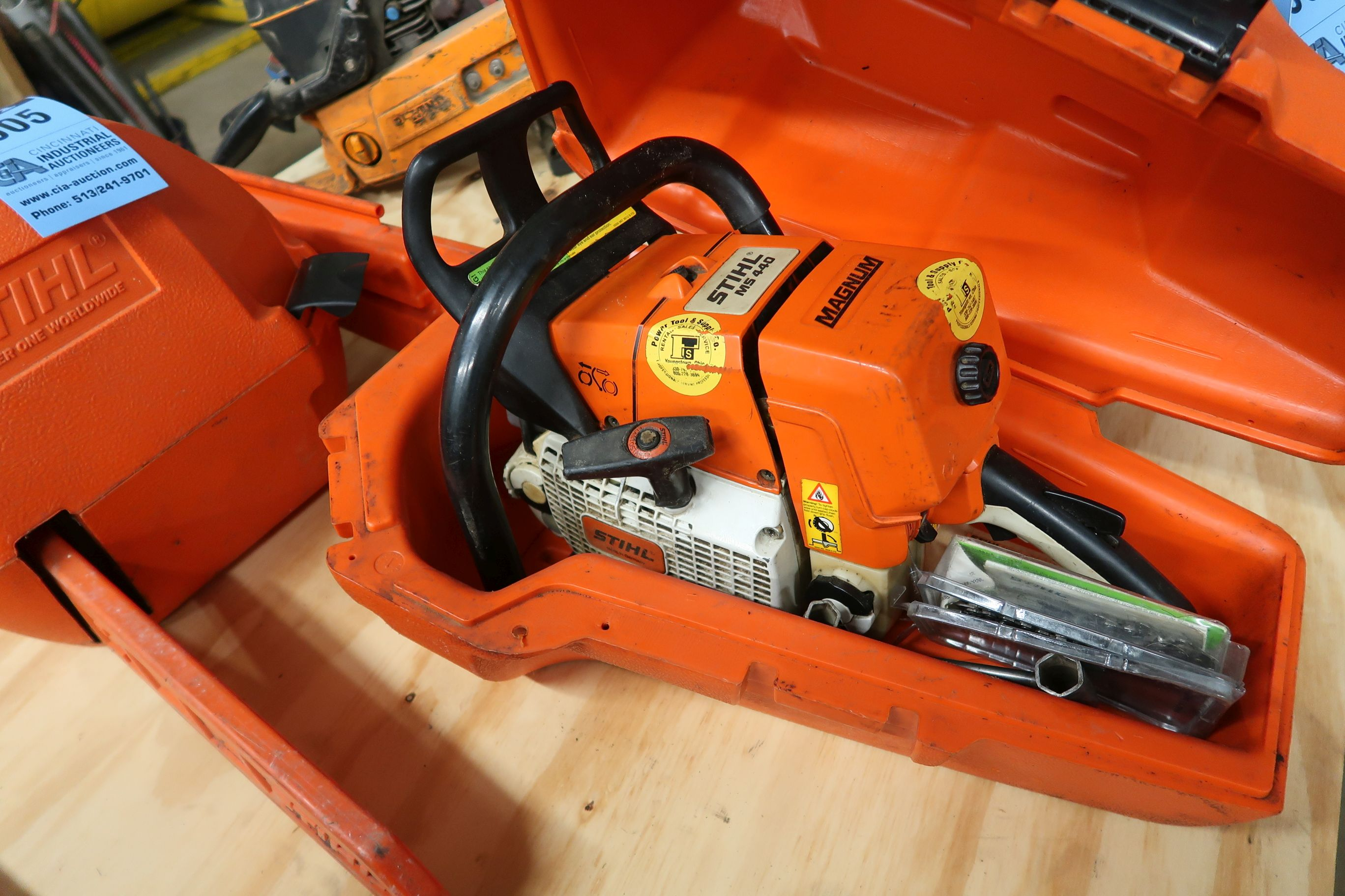 STIHL MS440 GAS POWERED CHAIN SAW
