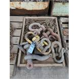 (LOT) SHACKLES AND LIFTING CHAINS