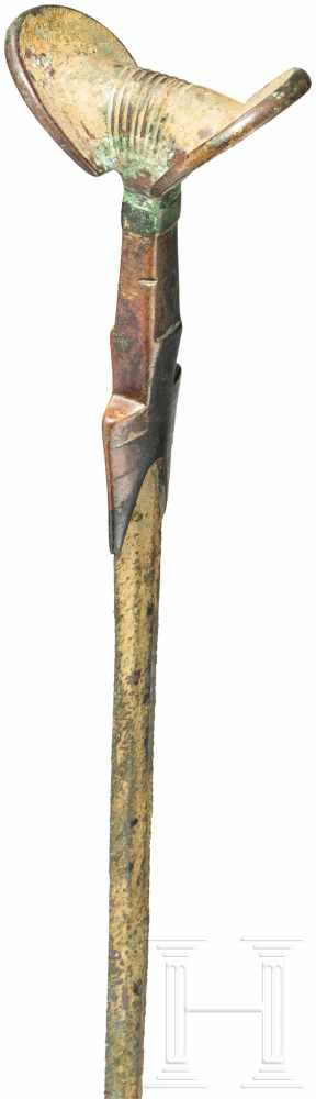 Ungewöhnlich schönes und langes bronzenes Fächergriffschwert, Luristan, Ende 2. Jtsd. v. Chr.Lange - Image 4 of 6