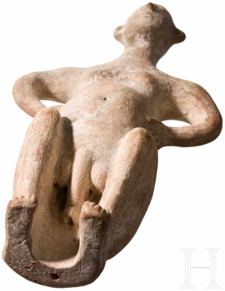 Außergewöhnliche Terrakotta-Statuette eines Hockenden, vorderasiatisch, Ende 2. Jtsd. v. Chr. - Image 5 of 5