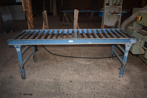 Lot 19 - Rolling Outfeed Table