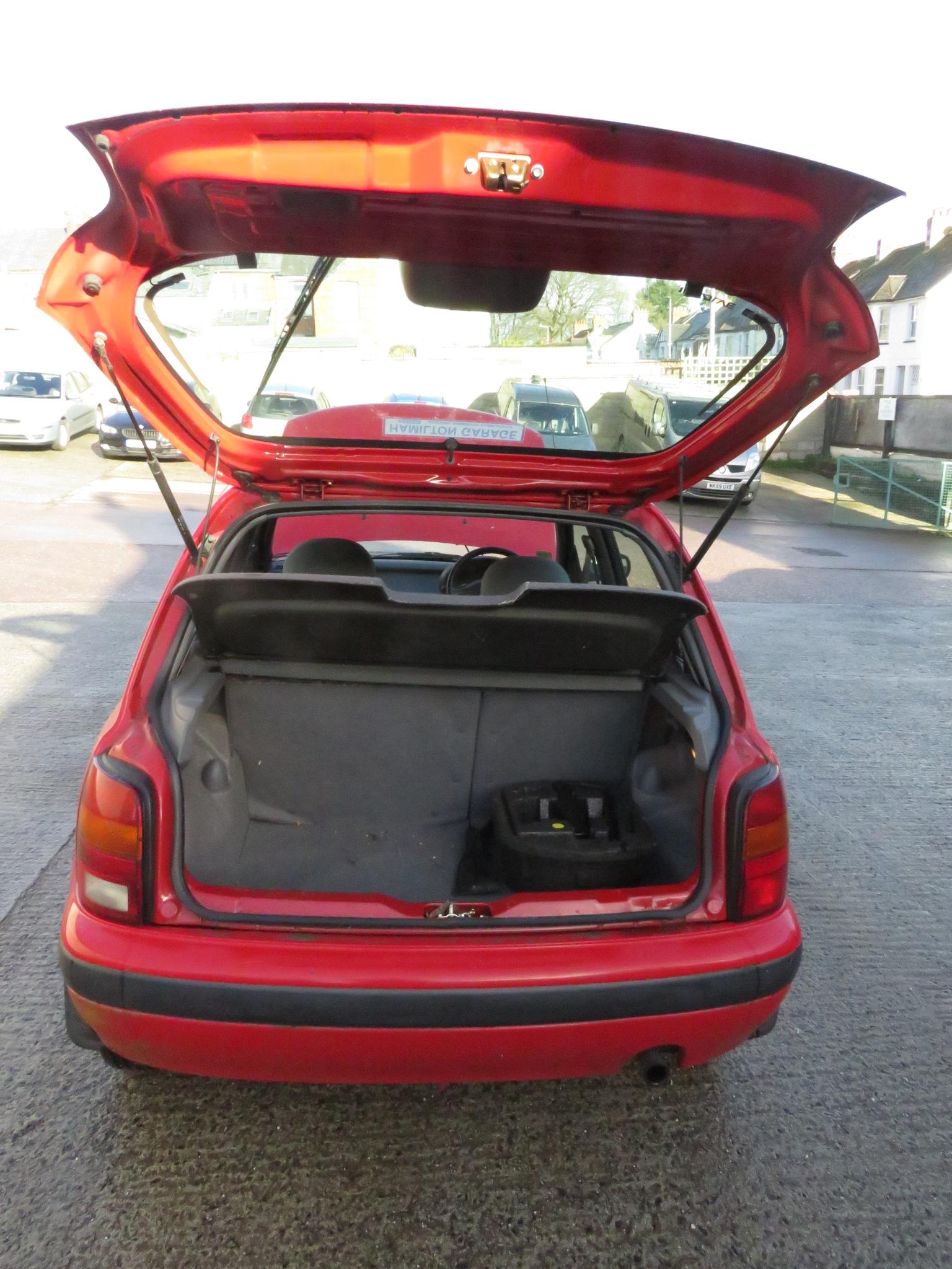 Lot 1 - FROM DECEASED ESTATE - RED NISSAN MICRA 1.3GX FIVE DOOR HATCHBACK, R405GDV REGISTERED 28/11/97,