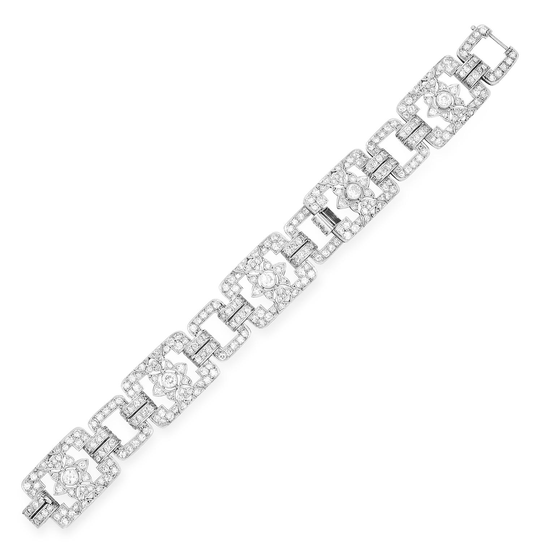 Los 42 - ANTIQUE DIAMOND BRACELET in Art Deco design set with old and round cut diamonds, 18cm, 41.4g.