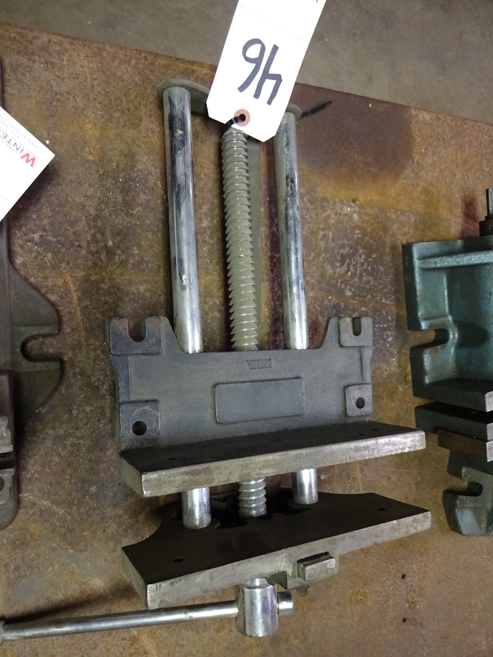 Lot 46 - 9 in. Bench Vise