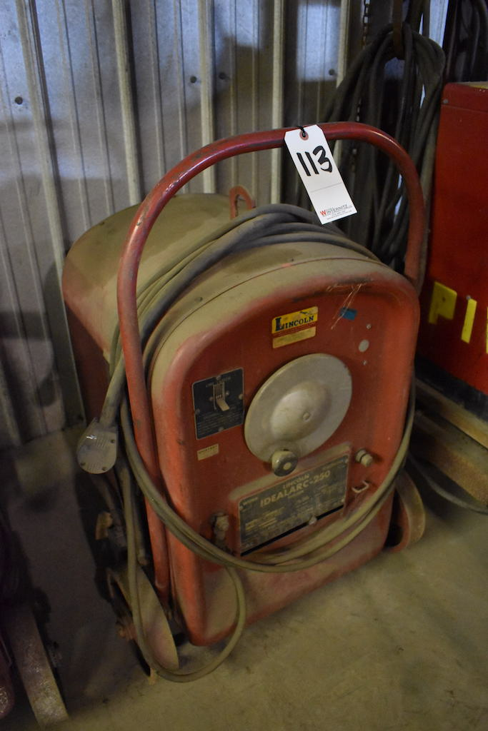 Lot 113 - Lincoln Idealarc 250 Welder