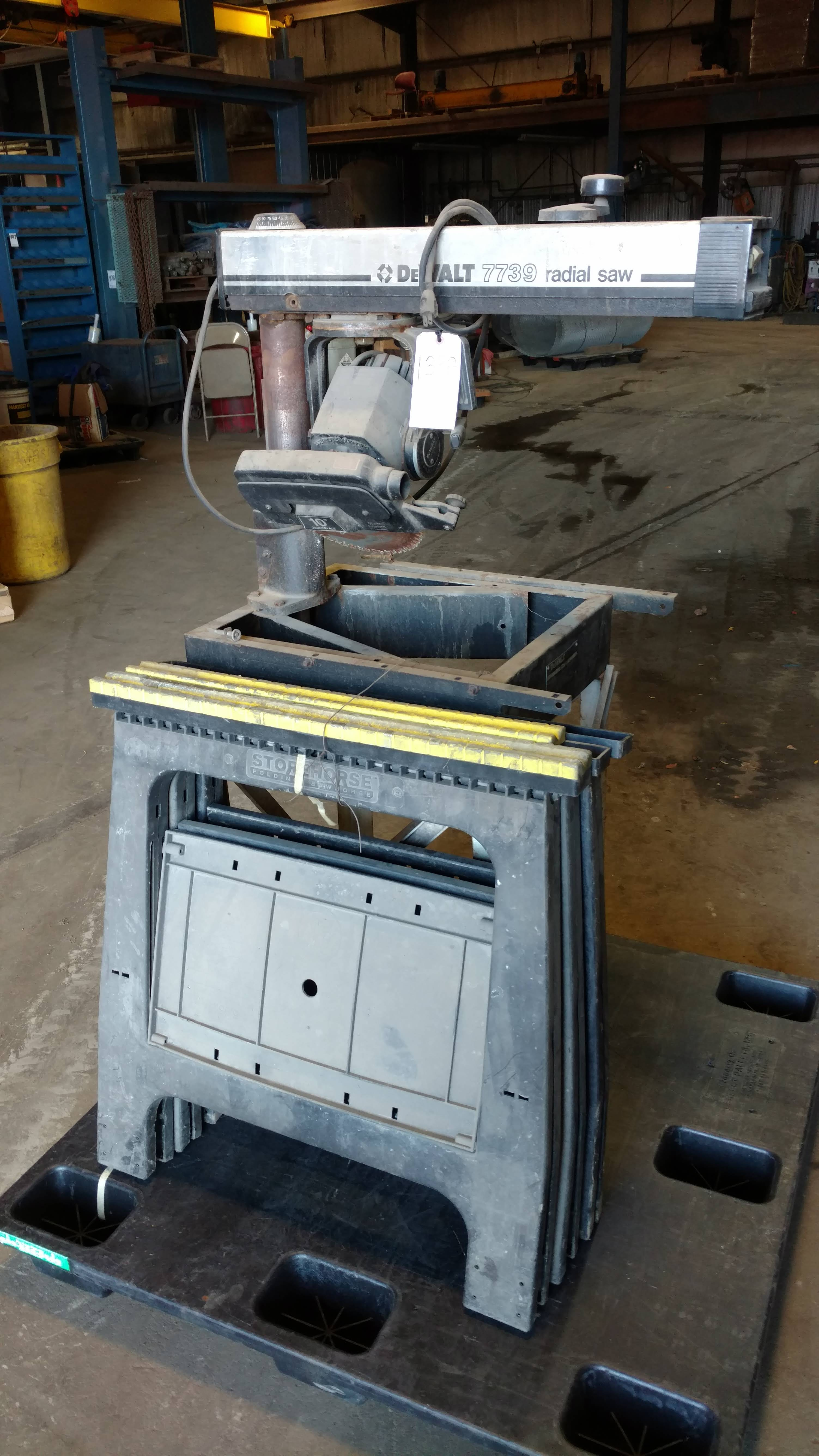 Lot 133A - LOT: PALLET WITH 3 FOLDING PLASTIC SAW HORSES & DELTA MODEL 7739 RADIAL ARM SAW