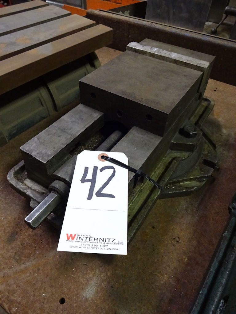 Lot 42 - 6 in. Machine Vise