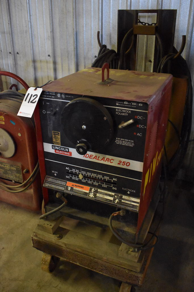Lot 112 - Lincoln Idealarc 250 Constant Current AC/DC Arc Welder, S/N AC-303041