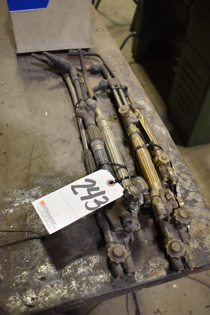 Lot 243 - LOT: Assorted Torches