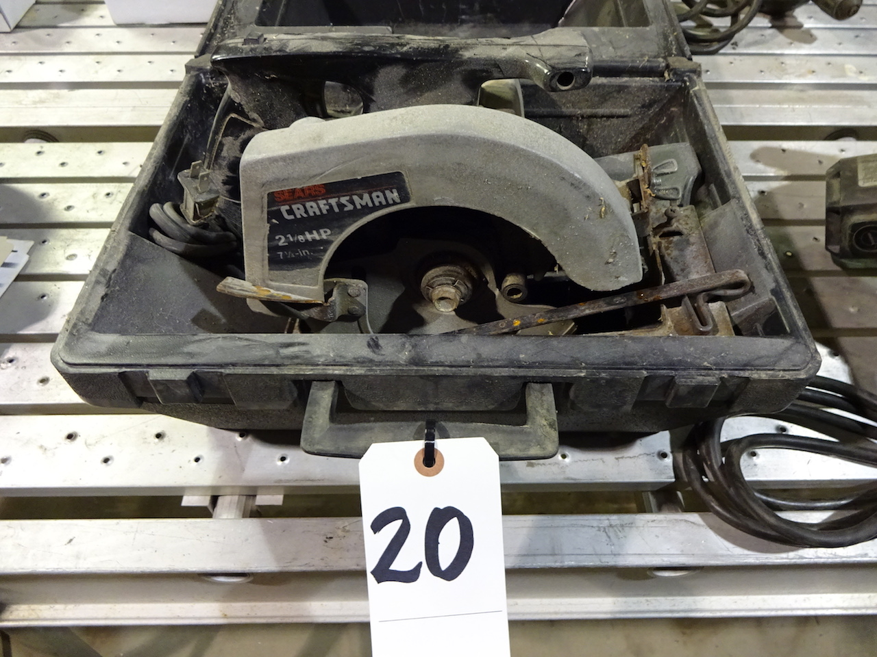 Lot 20 - Craftsman 2.5 HP 7-1/4 in. Circular Saw