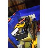 2 x boxes of assorted hand tools including hacksaws, screwdrivers etc. - Second-hand (GS14)