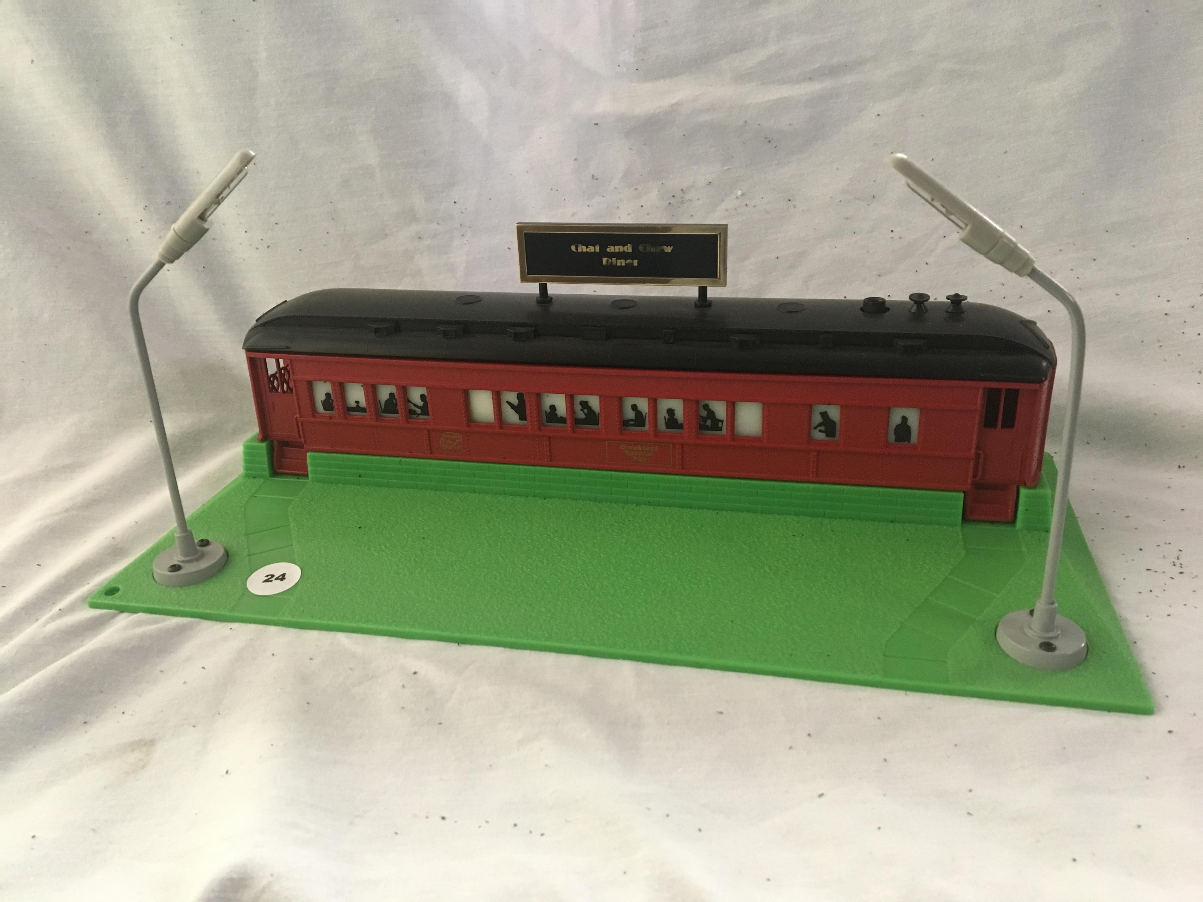 Lot 24 - Lionel Diner Car (Illuminated, Plastic)