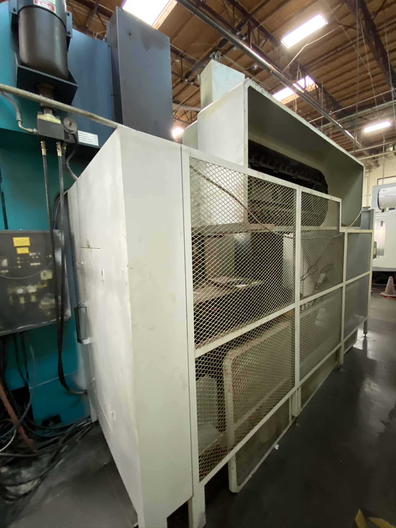 2005 SIGMA CNC DOUBLE COLUMN MACHINING CENTER, MODEL SDV-3219, FANUC 18IMB CNC CONTROL - Image 12 of 31