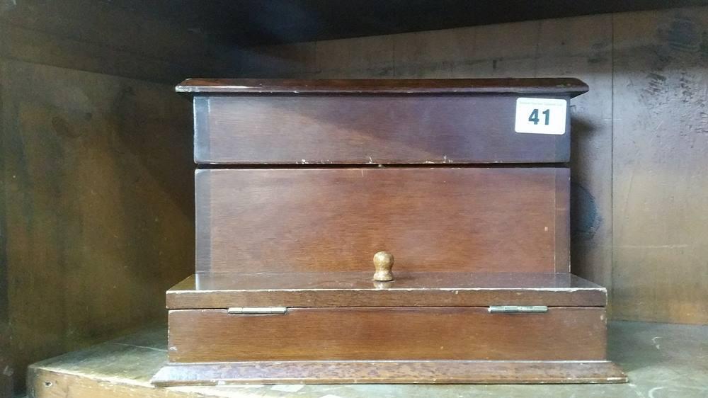 Lot 41 - Victorian photo album etc.