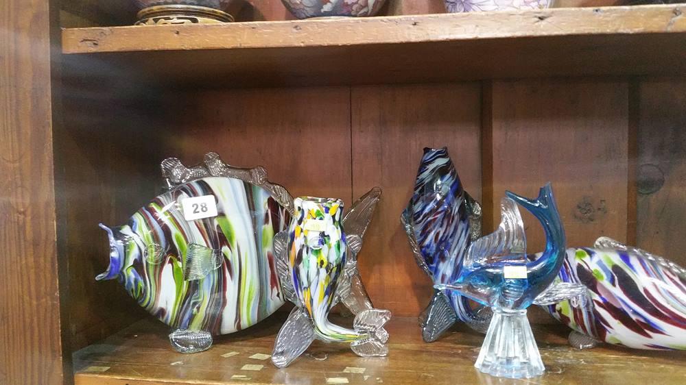 Lot 28 - Quantity of glass fish