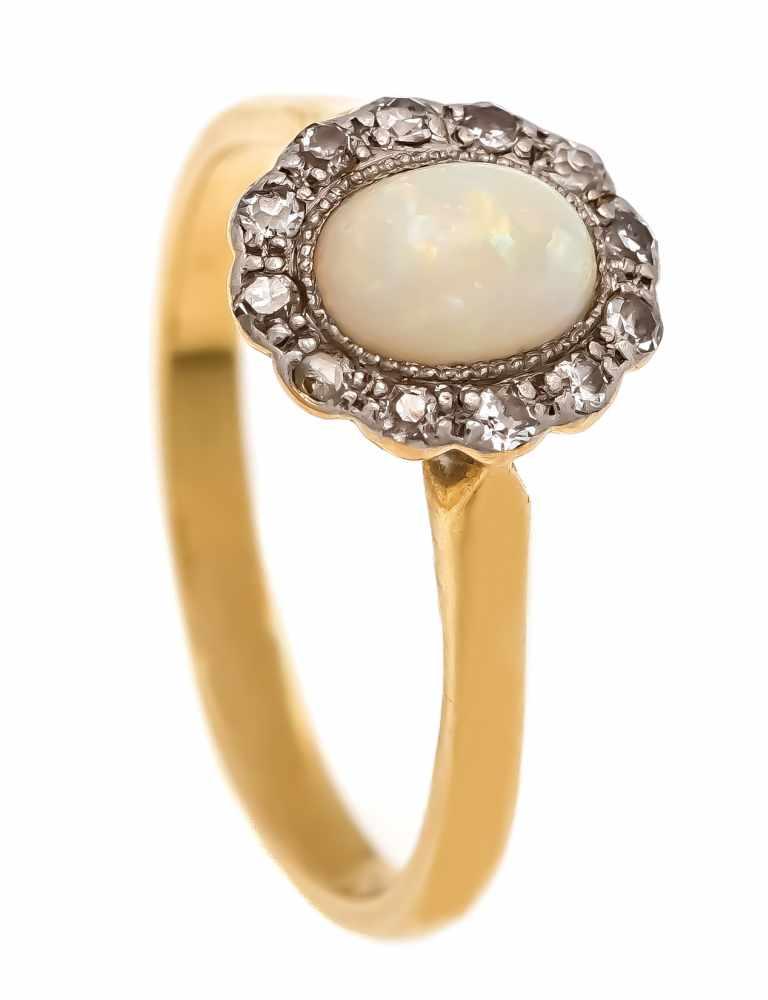 Opal-Altschliff-Diamant-Ring GG 750/000 und Platin mit einem Milchopalcabochon 7 x 4 mmund