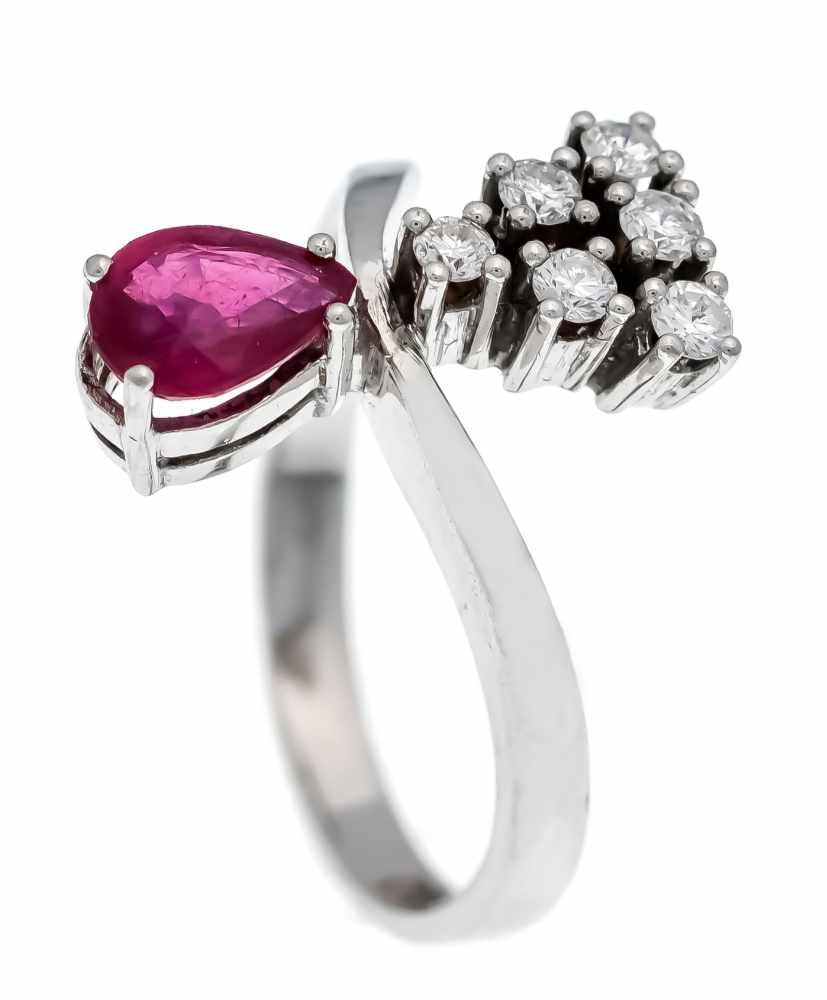 Rubin-Brillant-Ring WG 585/000 mit einem tropfenförmig fac. Rubin 6 x 4 mm und 6Brillanten, zus. 0,