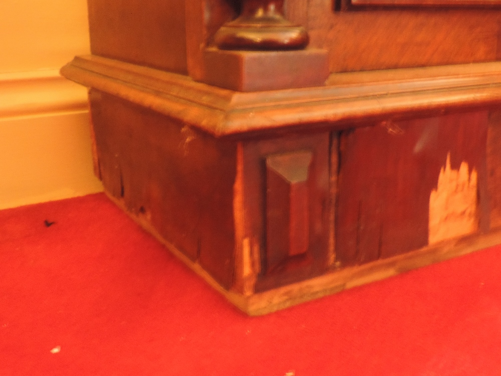 Lot 22 - A late 19th Century walnut cased Polypho
