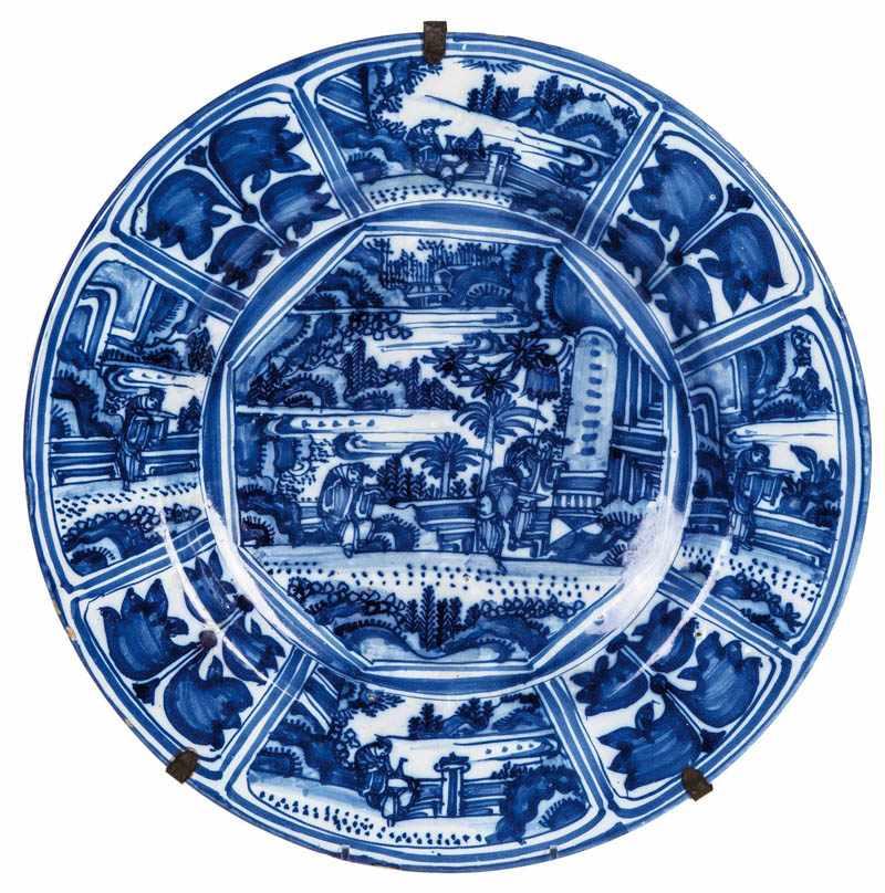 Gro e platte mit chinoiserien frankfurt um 1700 im for Spiegel und fahne
