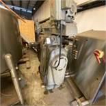Cincinnati No. 2MI Horizontal Milling Machine S/N 2U2U1Z-68. LOADING FEE $400