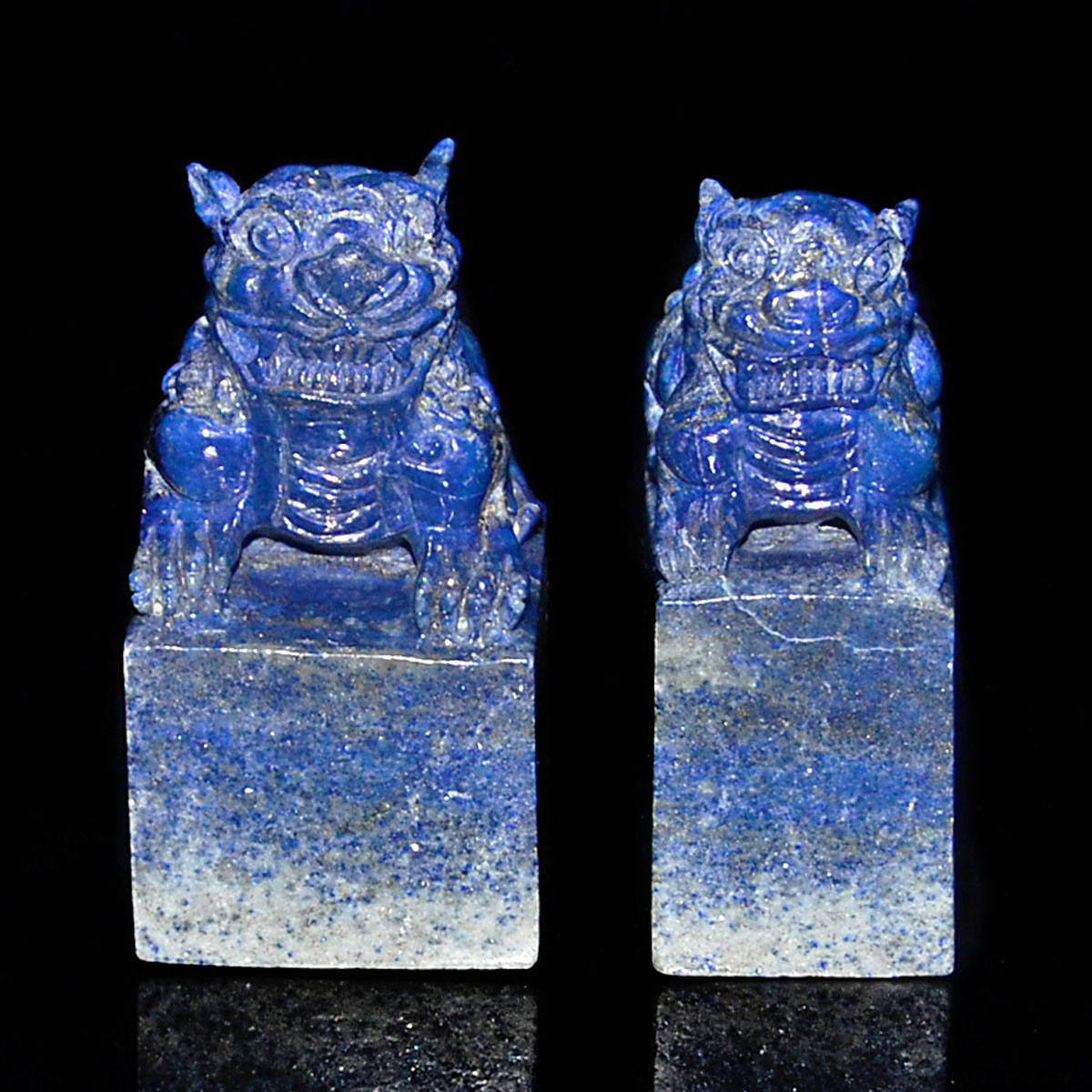 Lot 45 - 青金石獅鈕印料二方 Two Lapis Lazuli Seals Carved with Lion Knob. Height: 3⅝ in (9.2 cm), 3¾ in (9.5 cm)