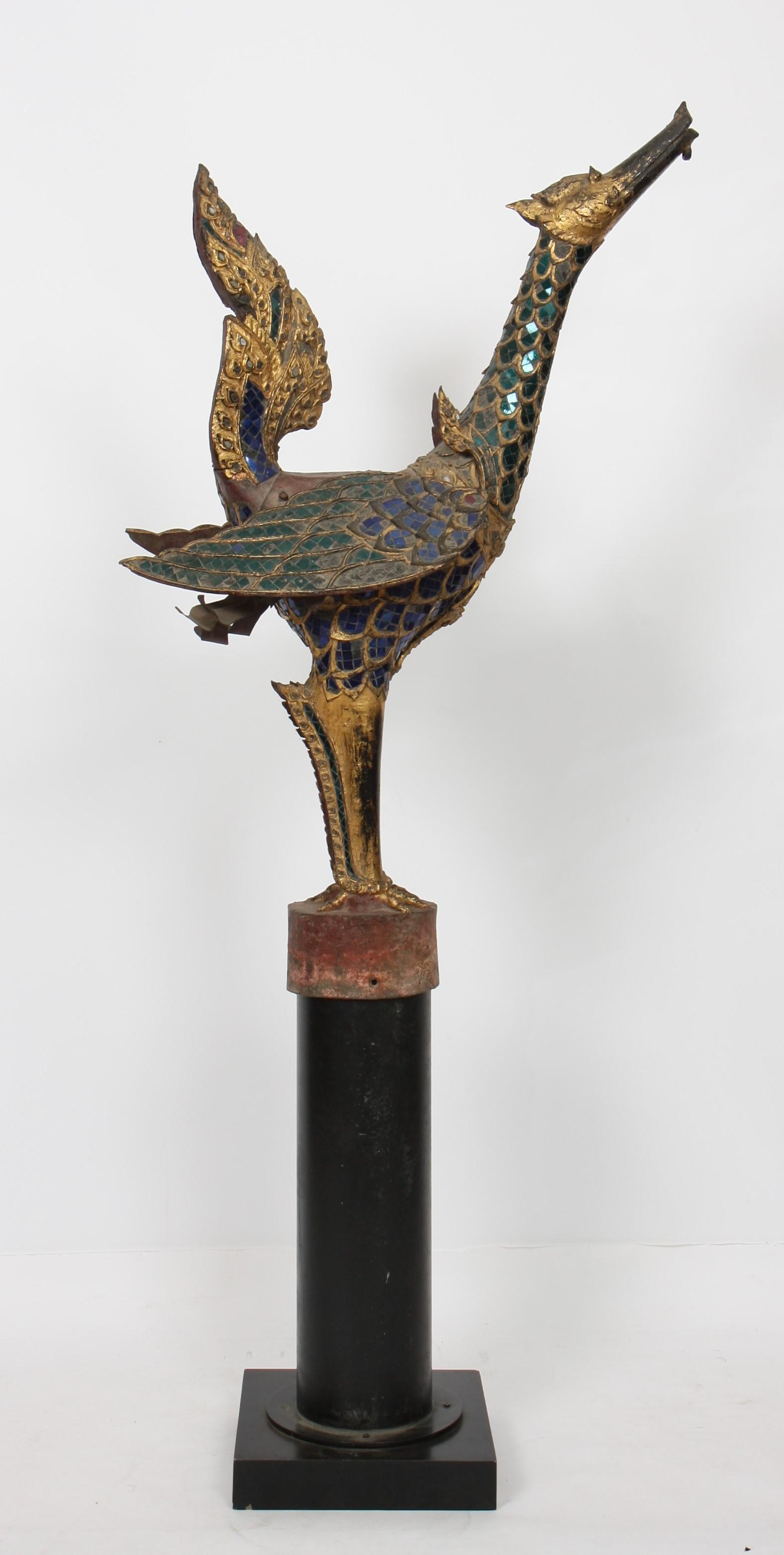 "Los 55 - RARE ""HAMSA"" EN BRONZE DORE SIAM XVIIIè En bronze doré avec incrustations de [...]"