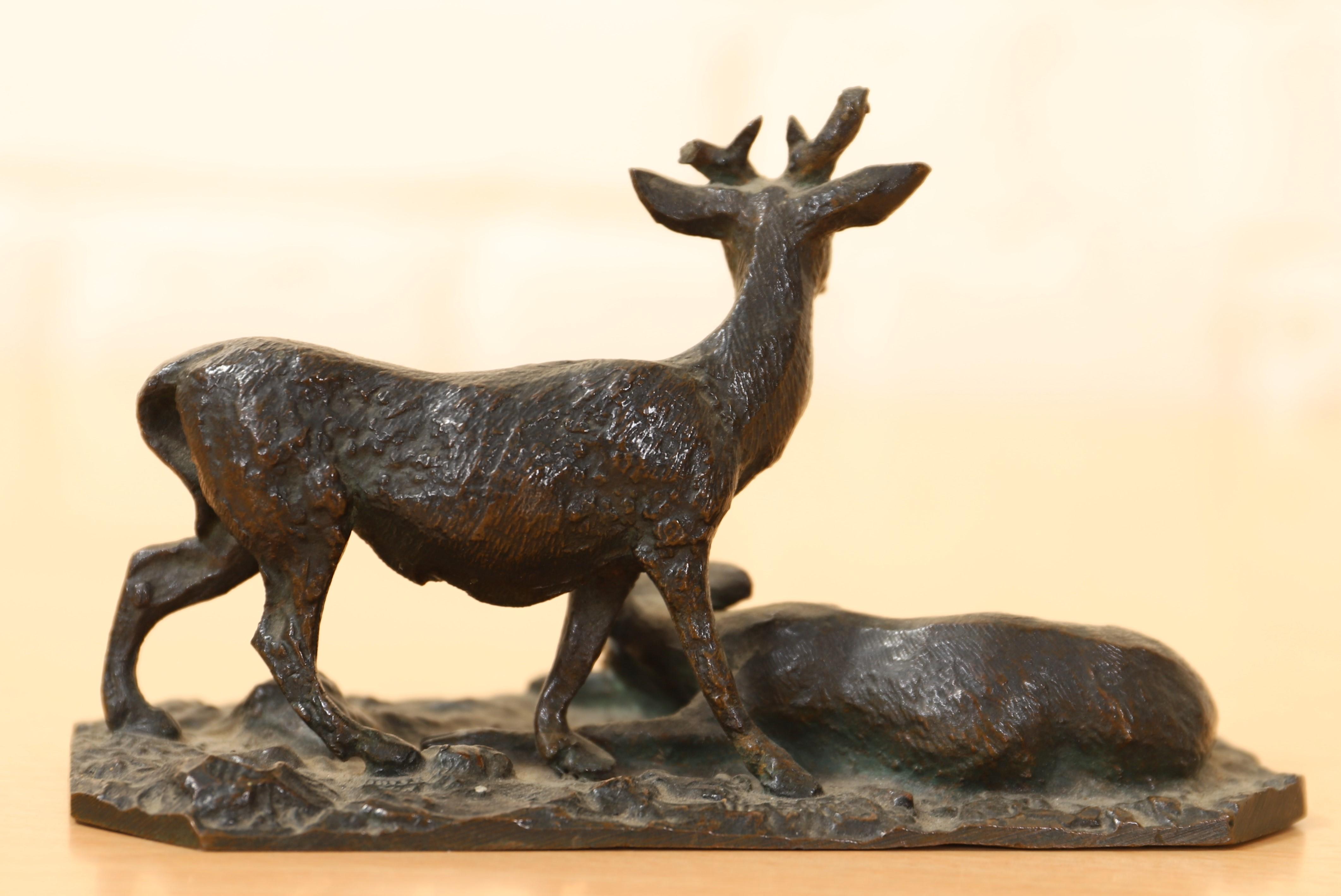 """Los 15 - PETIT BRONZE ANIMALIER """"CERF ET BICHE"""" DE Christophe FRATIN (1801-1864) En bronze [...]"""