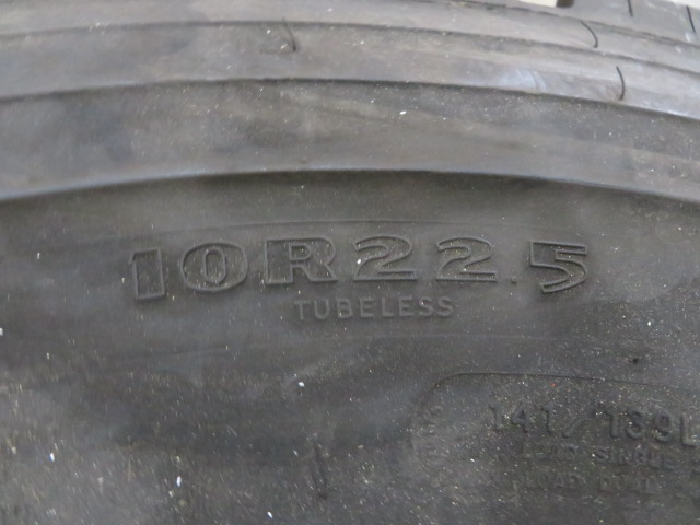 (2) SETS OF TIRES (11.00 R22XZA AND G124 10R22.5) (LOCATED IN LUMBERTON,NJ) - Image 5 of 7