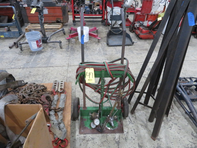 OXYACETYLENE SET UP W/TORCH, GAGES, LINES AND CART (LOCATED IN LUMBERTON,NJ)