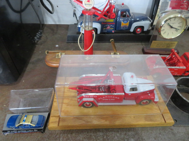 COLLECTOR TOY TRUCKS AND MOBIL PUMP PEN SET (NO PENS) (LOCATED IN LUMBERTON,NJ) - Image 3 of 5