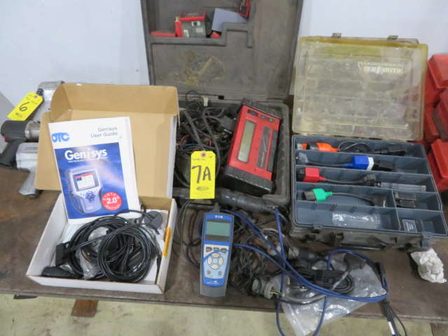 SNAP-ON MT2500 DIAGNOSTIC SCANNER, ASSORTED VEHICLE CARTRIDGES, EATON MOBILE DIAGNOSTIC TERMINAL AND - Image 5 of 6