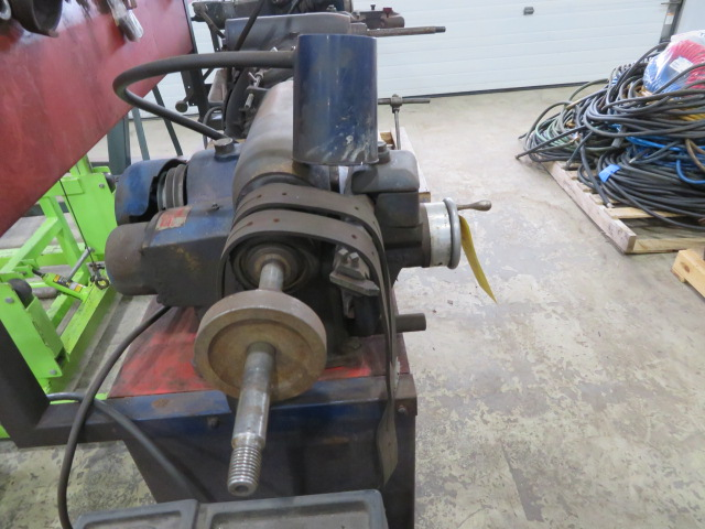 AMMCO BRAKE AND DRUM LATHE MDL. 3000 AND MDL. 7000 HUSTLER WITH NO. 6900 TWIN FACING TOOL AND - Image 4 of 8