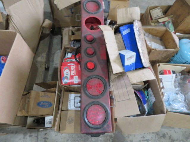 MISCELLANEOUS AUTO AND TRUCK PARTS (WHEEL WEIGHTS, MISC. GASKETS & CLAMPS, FILTERS, CHASSIS PARTS, - Image 13 of 20