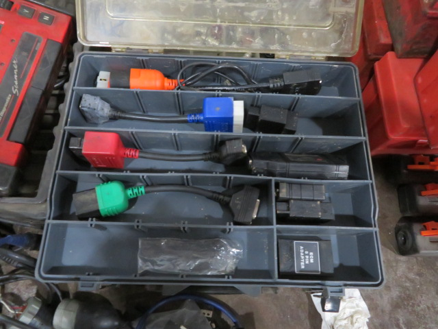 SNAP-ON MT2500 DIAGNOSTIC SCANNER, ASSORTED VEHICLE CARTRIDGES, EATON MOBILE DIAGNOSTIC TERMINAL AND - Image 6 of 6