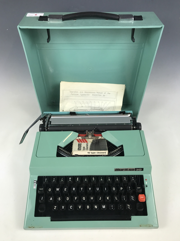 Lot 6 - A Maritsa 30 portable typewriter