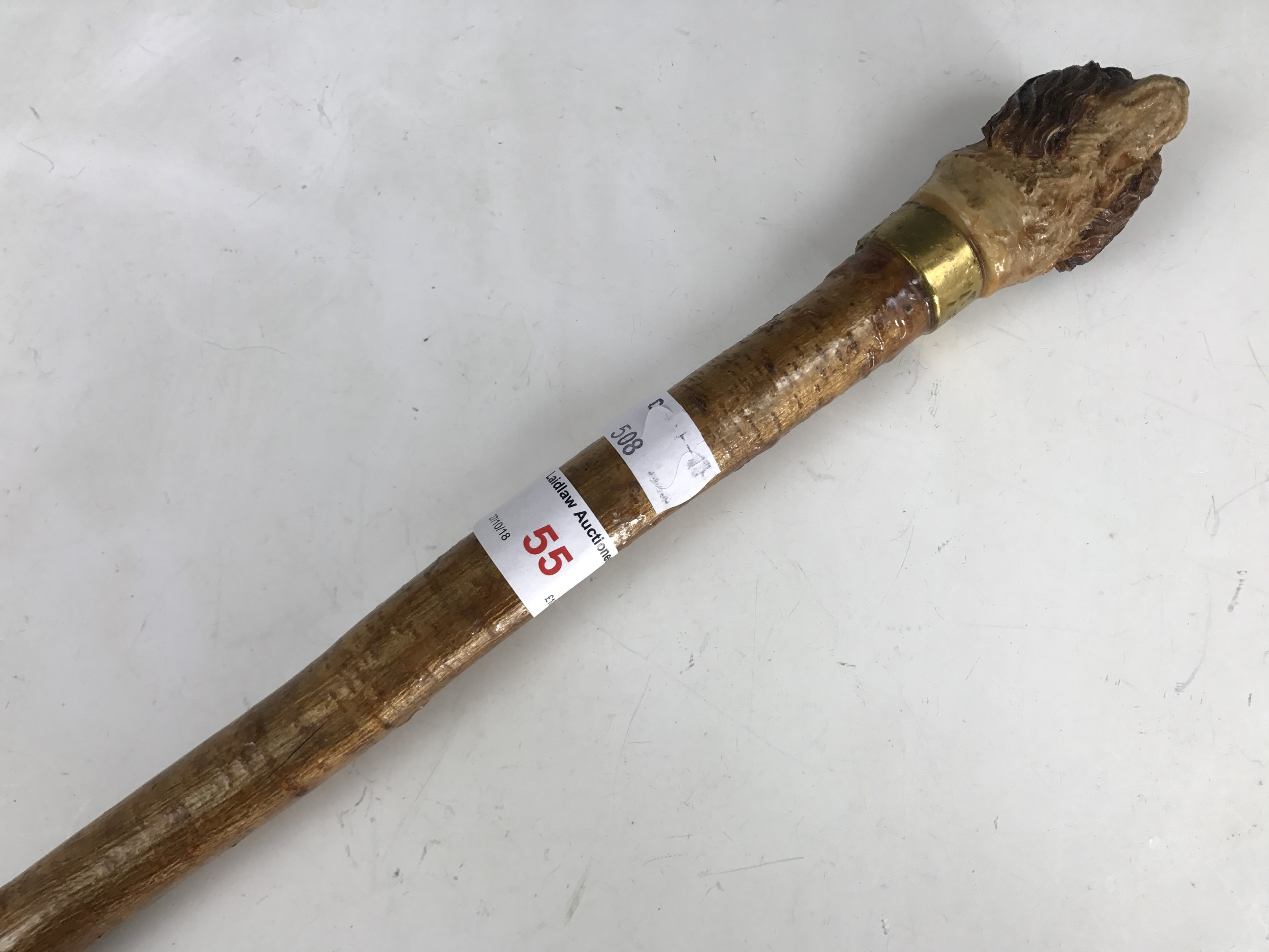 Lot 55 - A walking cane with pommel modelled as a King Charles spaniel