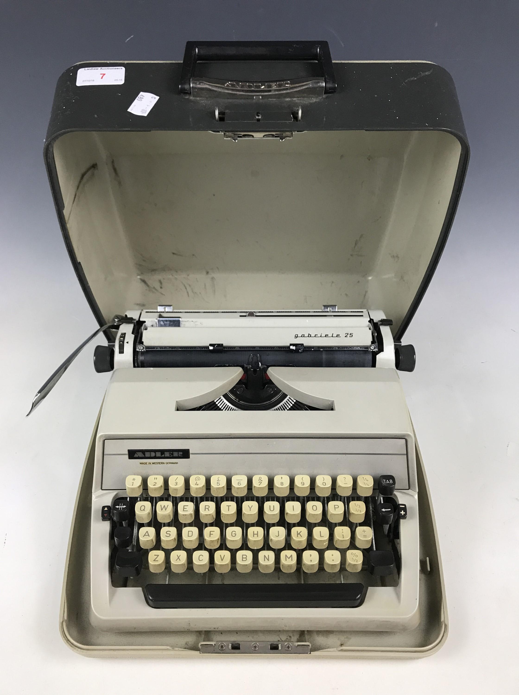 Lot 7 - An Adler Gabriele 25 typewriter