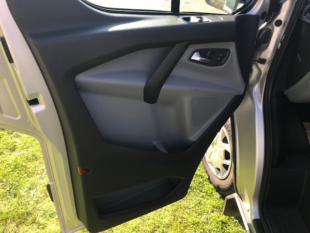 Silver Ford Transit custom 290 Trend (NO VAT) - Image 9 of 22